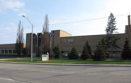 Cameron Heights Collegiate Institute Image