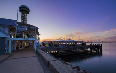 Queens Wharf Hotel Image