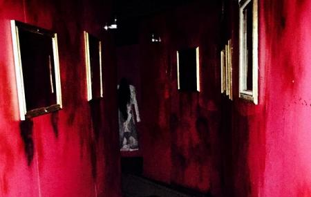Terror On The Plaza Haunted House Image