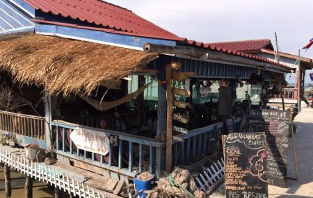 The Fishing Hook Restaurant Image