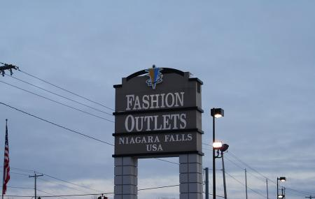 Fashion Outlets Of Niagara Falls Usa Image