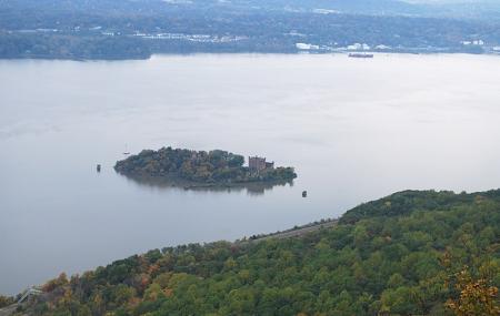Pollepel Island Image