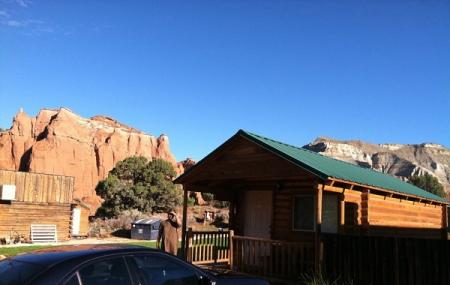 Red Stone Cabins Image