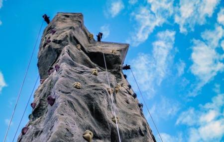 Aiguille Rock Climbing Center Image