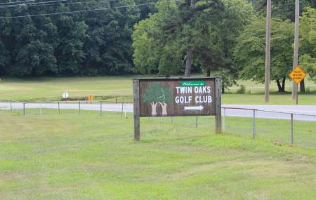 Twin Oaks Golf Club Image