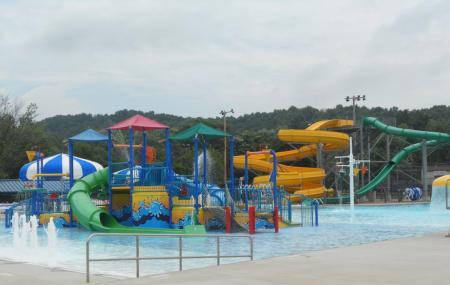 Uhrichsville Water Park Image