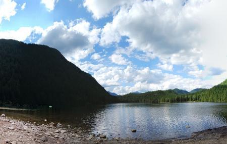 Davis Lake Provincial Park Image