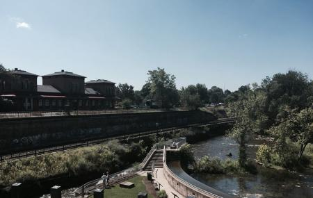 Franklin Mills Riveredge Park Image