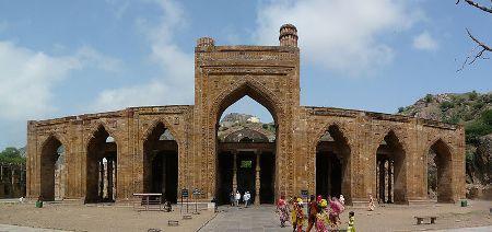 Adhai Din Ka Jhonpra Mosque Image