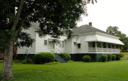Hank Williams Museum Image