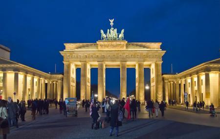 Brandenburg Gate Image