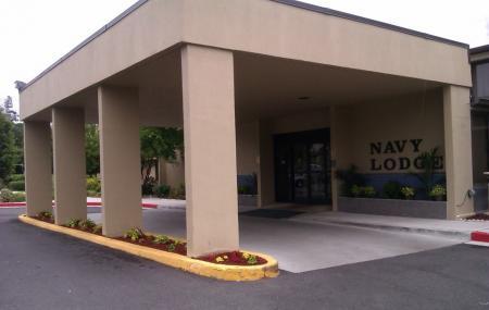 Navy Lodge Image