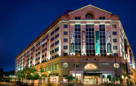Embassy Suites At The Chevy Chase Pavilion Image