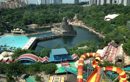 Sunway Lagoon Theme Park Image