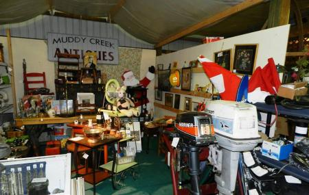 Red Barn Flea Market & Auction Image