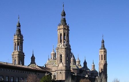 Basilica De Nuestra Senora Del Pilar Image