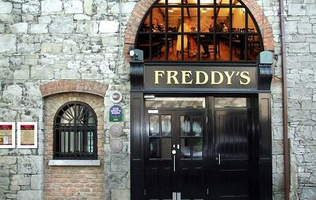 Freddys Bistro Image