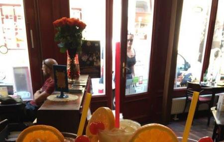 Spinoza Cafe & Restaurant Image