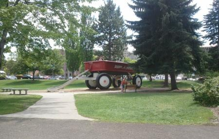 Red Wagon Image
