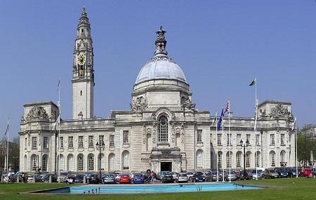 Cardiff City Hall Image
