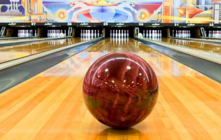 Bowlmor Amf Lewisville Bowling Lanes Image