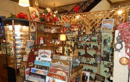 Mariposa Marketplace Image