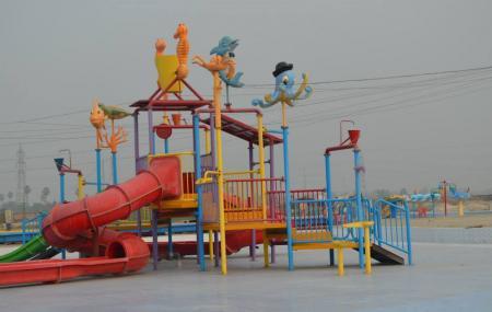 Funtasia Water Park Image
