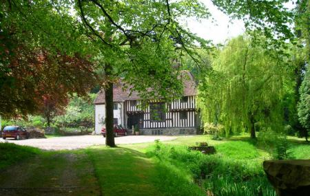 Filching Manor Motor Museum Image
