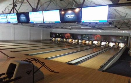 Alley Catz Bowling Lanes Image