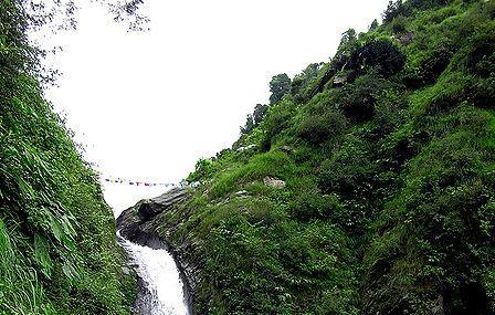 Bhagsunag Fall Image