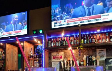 Spike's Sports Bar & Grill Image