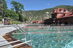Glenwood Hot Springs Pool Image