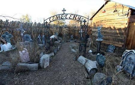 Field Of Corpses Haunted Attraction Image