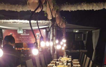 The Peak Resort Dining Image