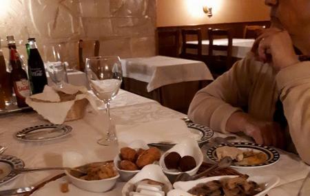 Charbonada Restaurant Image