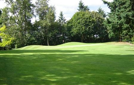 Lake Oswego Public Golf Course Image