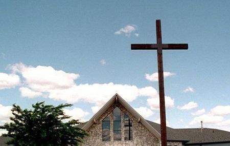 Holy Cross Lutheran Church Image