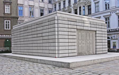 Judenplatz Holocaust Memorial Image