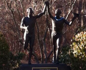 Johnny Kelley Statue Image