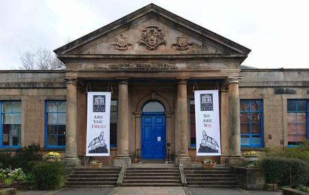 Stirling Smith Art Gallery & Museum Image