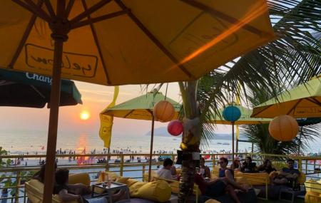 Yellow Beach Cafe Image