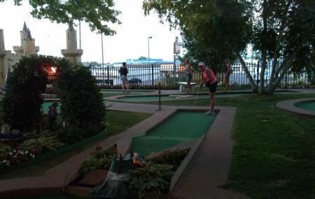 Cool Crest Garden Golf Image