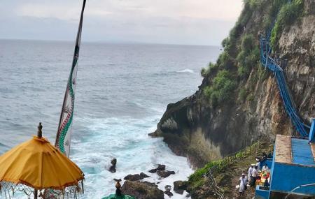 Peguyangan Waterfall Nusa Penida Image
