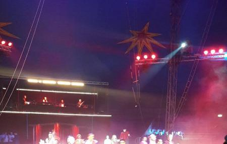 Cirque De Noel Image