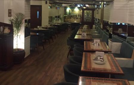 Crystal Restaurant Image