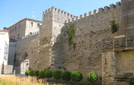 Muralla Medieval De Vitoria-garsteiz Image