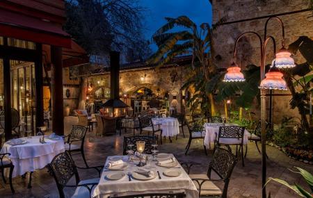 Seraser Fine Dinng Restaurant Image