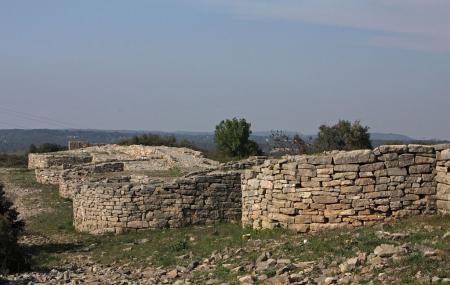 Site Archeologique D'ambrussum Image