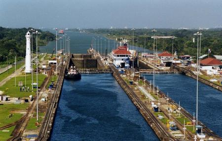 Gatun Locks Image