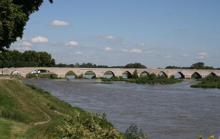 Le Pont De Beaugency Image